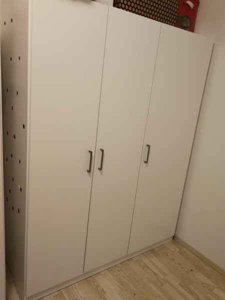 Podarim omara ikea dombas for Ikea guardaroba dombas
